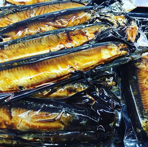 泉橋酒造 直営店「蔵元佳肴 いづみ橋」の自慢の惣菜を販売します。秘伝のさんまの黄金煮。