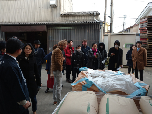 日本酒造組合中央会の主催する「Japan sake and shochu academy(2/17~2/21)」を受講されている方々が、2/19に泉橋酒造へ見学とペアリングディナーに訪れました。